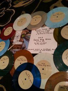 "SexyPigDivas - Listen Little Man 7"" Split Vinyl"